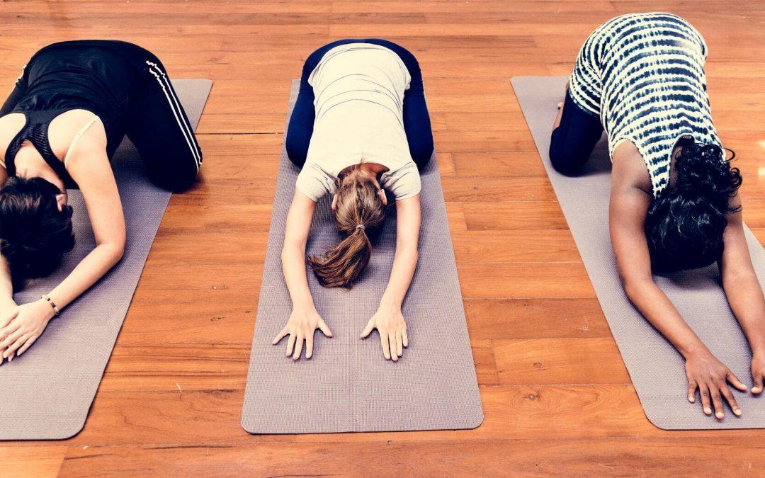 Yoga para embarazadas: 5 ejercicios para mantenerte en forma